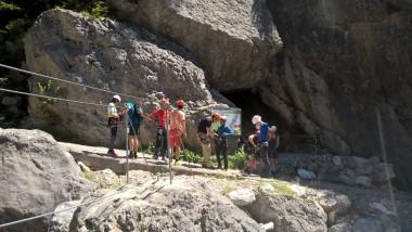 Klettersteig Levels : Saac mit sicherer am klettersteig